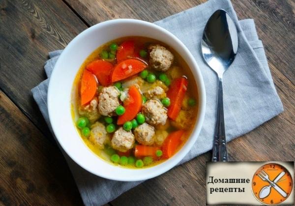 Прозрачный суп с фрикадельками