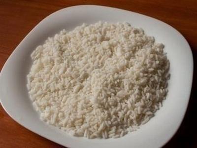 Шарики из курицы в рисе