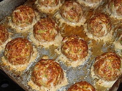 Греческие тефтели с кабачками