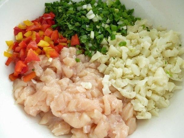 1Куриные рубленые котлеты с цветной капустой и болгарским перцем