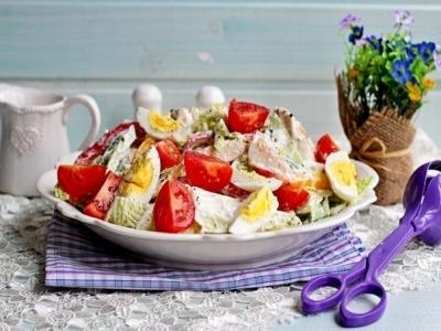 Салат с куриной грудкой, овощами и йогуртом3