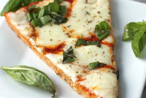 Вкуснейшая куриная пицца без грамма теста. Отличный обед!