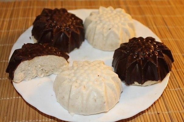 Бананово-кокосовый десерт в горьком шоколаде.