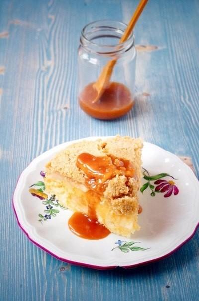 Французский яблочный пирог с крошкой.