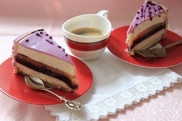 Персиково-смородиновый торт 1