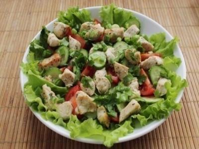Куриное филе и все овощи помыть.  5
