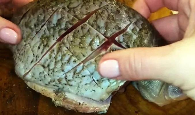 Хитрости, которые делают жареную рыбу в разы ароматнее и вкуснее