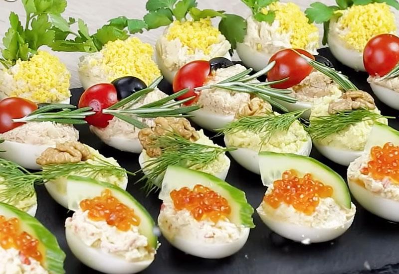 Фаршированные яйца: подборка вкуснейших начинок - 30 вариантов!